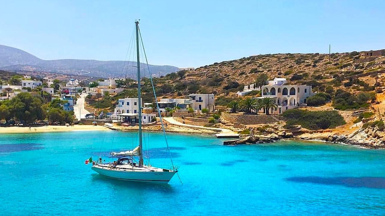 картинка фотография курорта Ираклия, остров в Греции