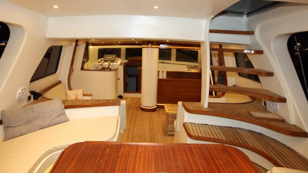 Парусная яхта Eloa