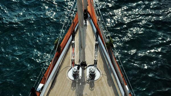 Парусная яхта Glorious
