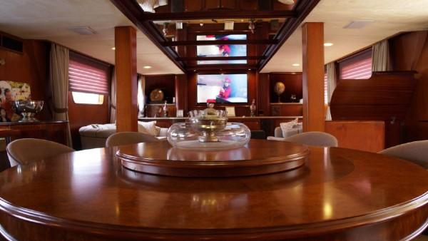 Моторная яхта Aga 6