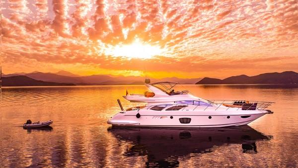 Моторная яхта Azimut 62 Fly VIP