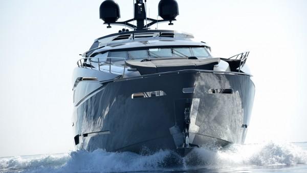 Моторная яхта FX 38