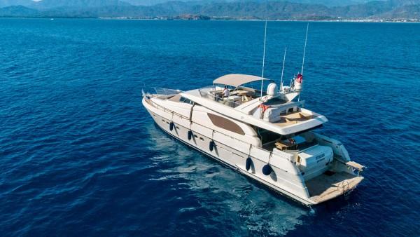 Моторная яхта Hurrem