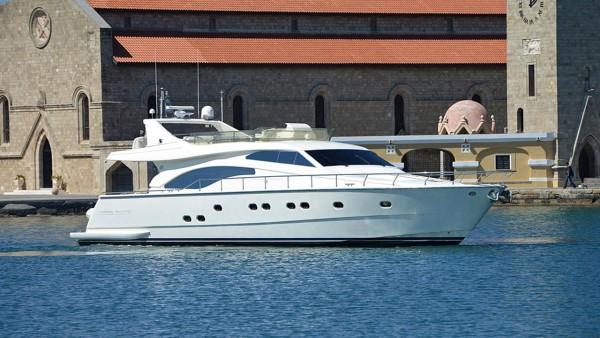 Моторная яхта Mary