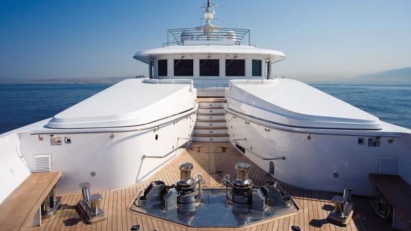 Моторная яхта Oceanos