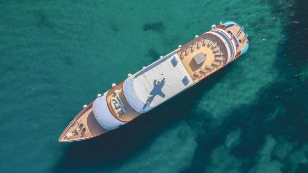 Моторная яхта Ohana